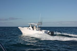 New Belzona 32 CC Center Console Fishing Boat For Sale