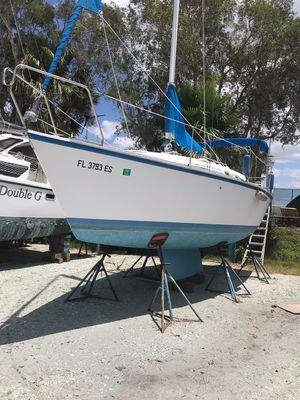 Used Hunter 255 Poptop Sloop Diesel Racer and Cruiser Sailboat For Sale