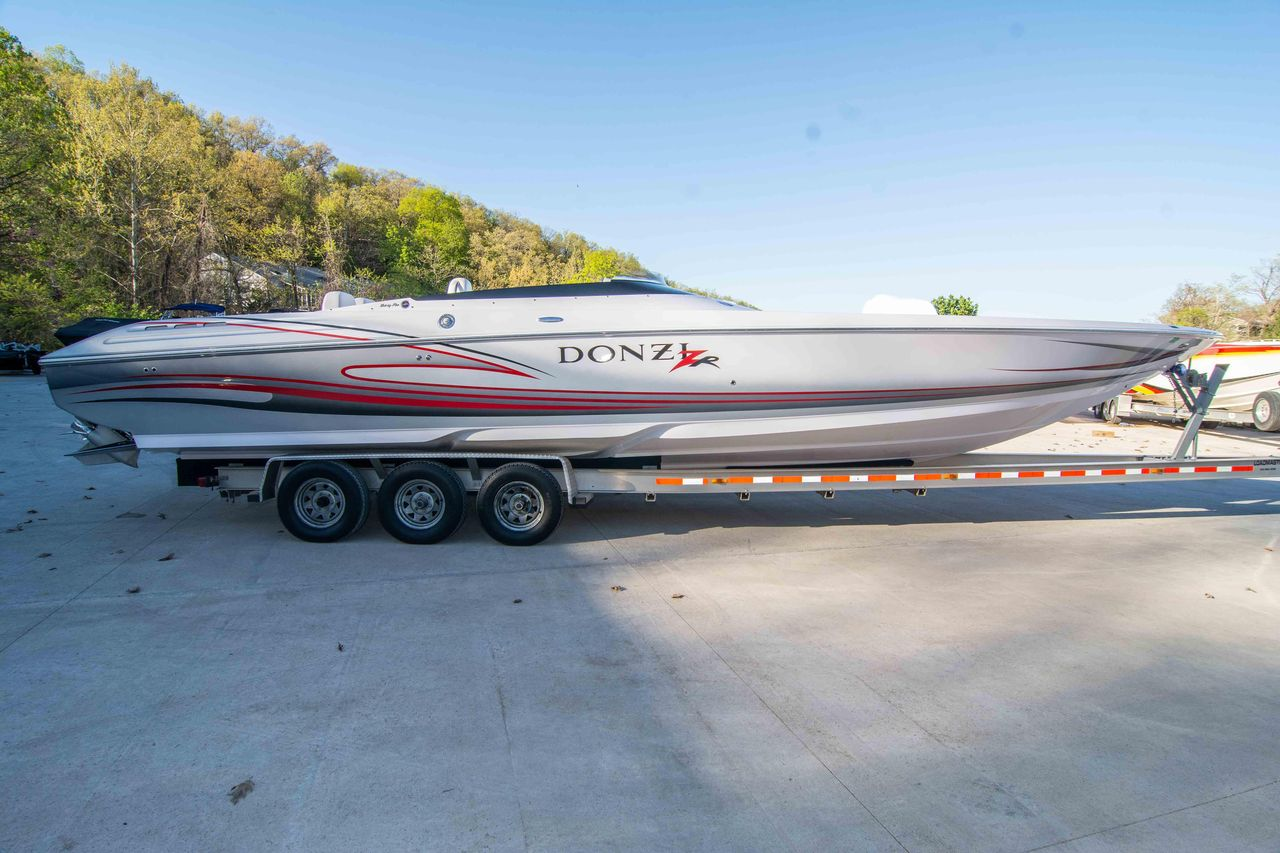 2007 Used Donzi 35 ZR High Performance Boat For Sale