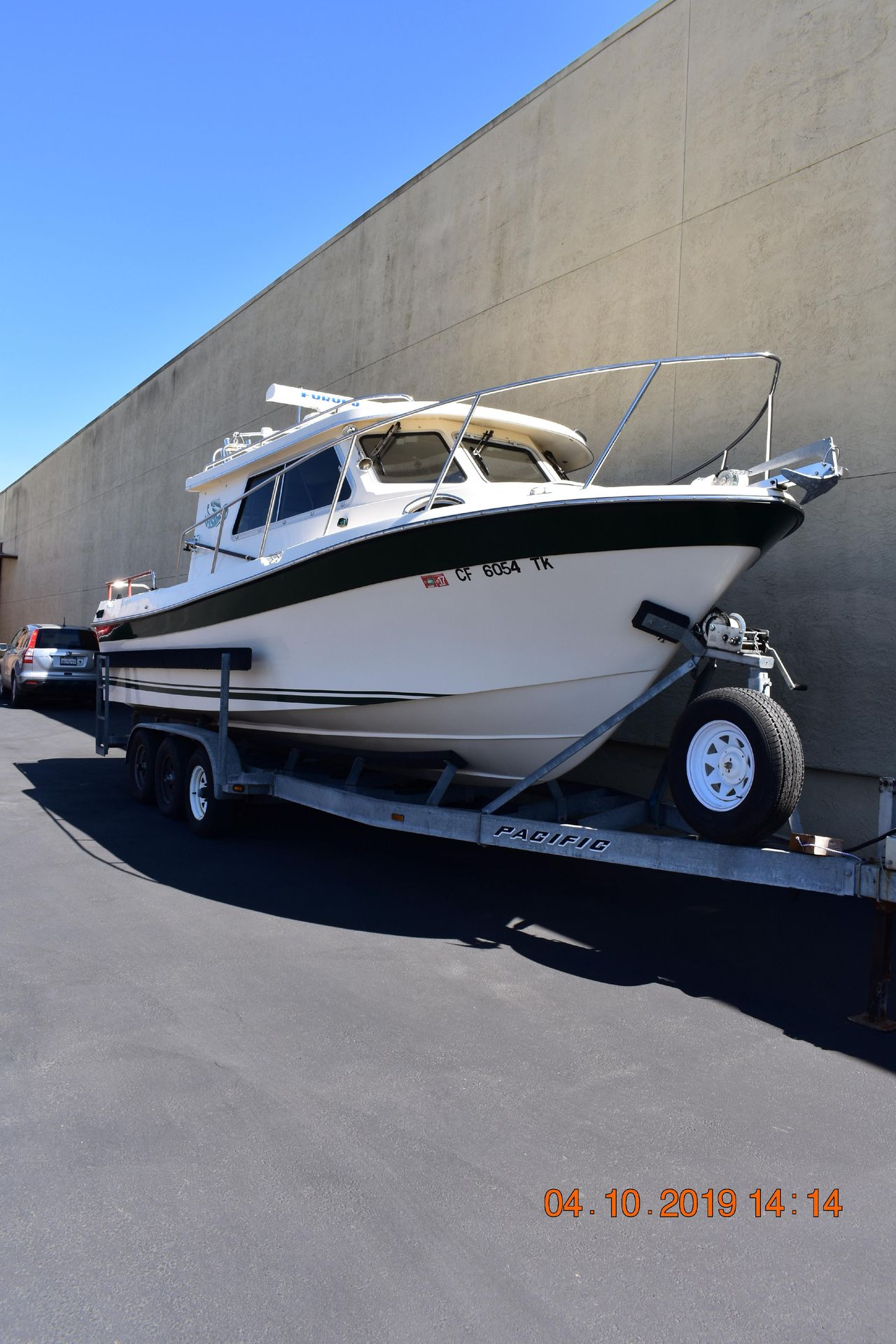 2005 Used Orca 27 XLC Freshwater Fishing Boat For Sale - $78,000