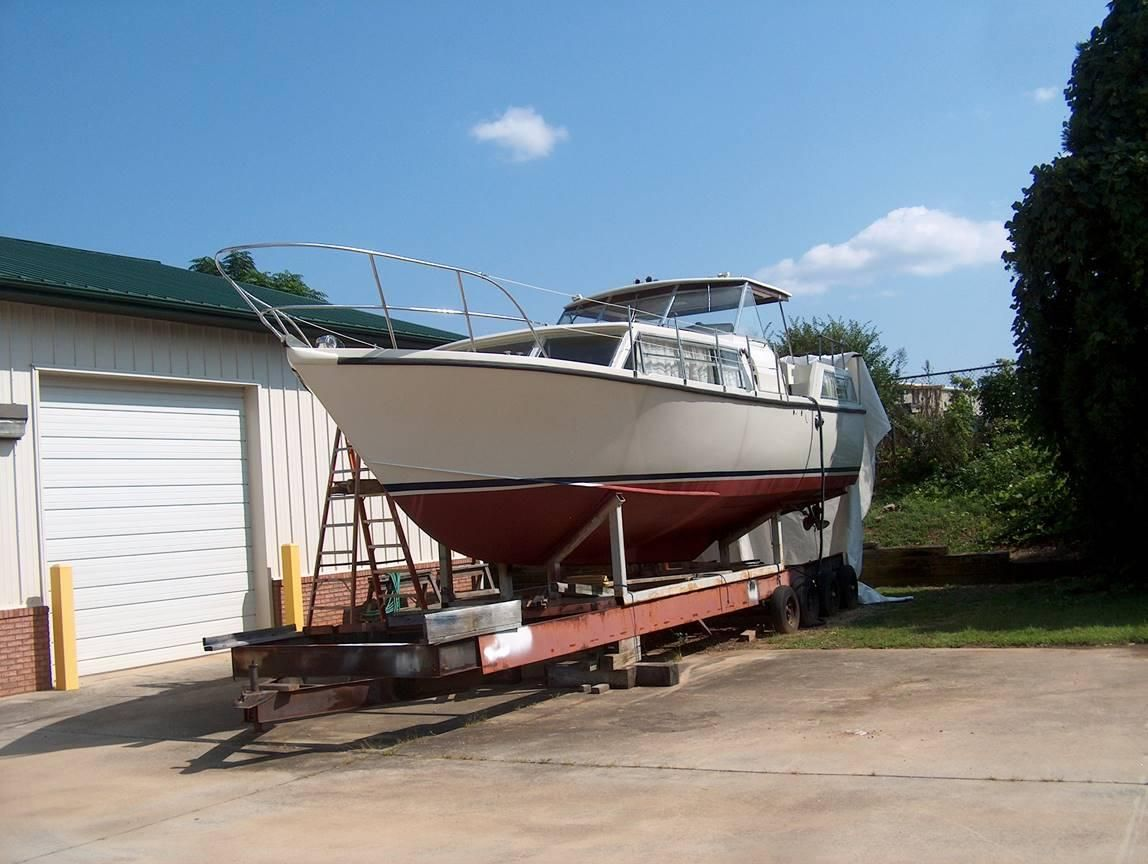 1972 Used Moonraker Softrider Cruiser Boat For Sale