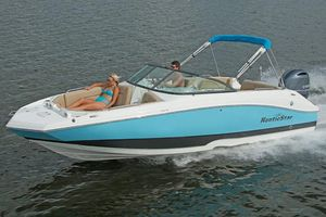 New Nauticstar 223dc High Performance Boat For Sale