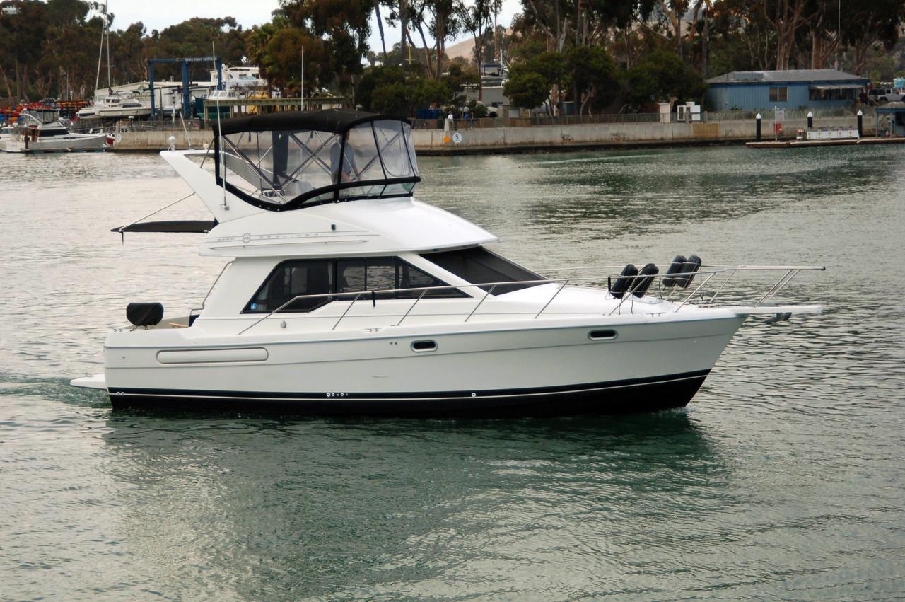 1996 used bayliner 3388 motoryacht flybridge boat for sale. Black Bedroom Furniture Sets. Home Design Ideas