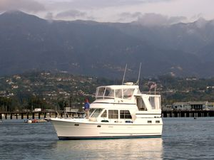 Used Heritage East Sundeck Motor Yacht For Sale