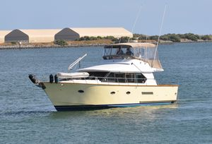 New Defever Sedan Bridge Convertible Motor Yacht For Sale