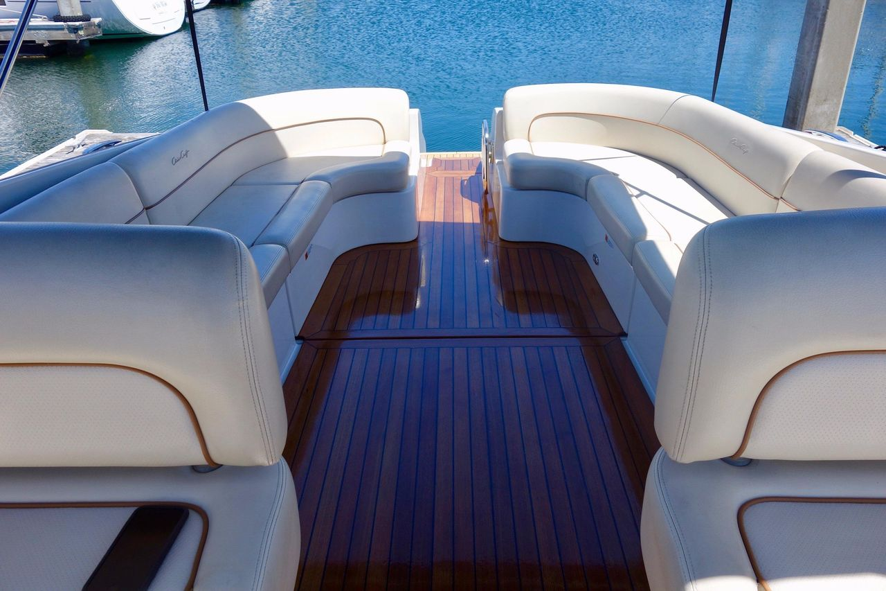 2007 Used Chris-Craft Corsair Express Cruiser Boat For Sale