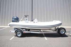New Zodiac Yachtline 490 Deluxe NEO 90HP IN Stock Rigid Sports Inflatable Boat For Sale