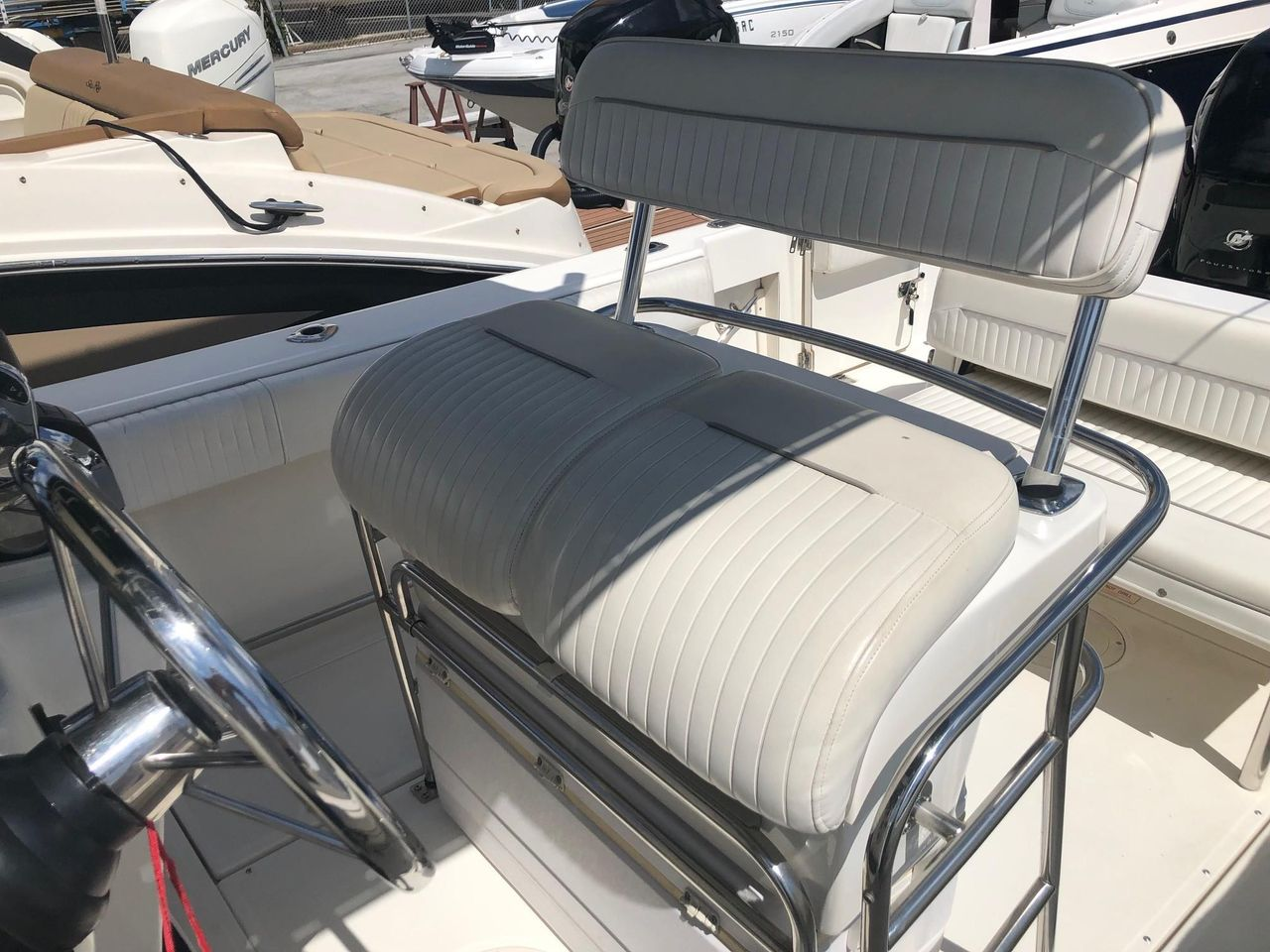 2000 Used Boston Whaler 26 Outrage Center Console Fishing