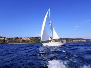 Used Hinterhoeller Encore Sloop Sailboat For Sale