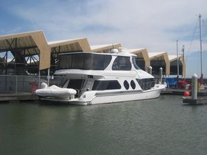 Used Bluewater 5800 Motor Yacht For Sale