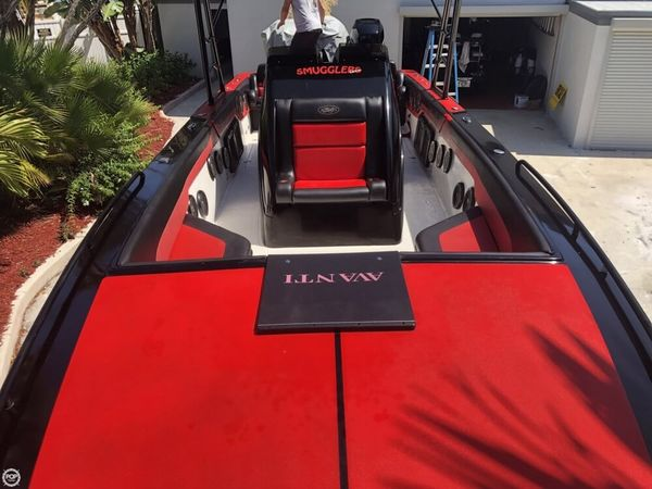 Used Avanti 36 CC High Performance Boat For Sale