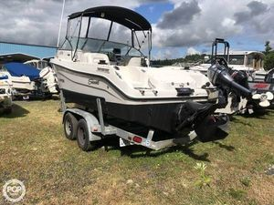 Used Seaswirl Striper 2101 DC Walkaround Fishing Boat For Sale