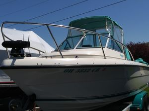 Used Pursuit 2150 Walkaround Freshwater Fishing Boat For Sale