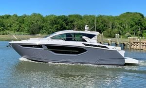 New Cruisers Yachts 42 Cantius Motor Yacht For Sale