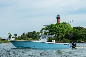 Used Invincible 42 CC Center Console Fishing Boat For Sale