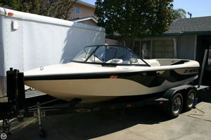 Used Correct Craft Ski Nautique 19 Ski and Wakeboard Boat For Sale