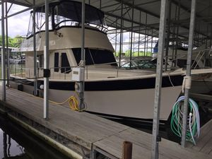 Used Mainship 34 Cruiser Boat For Sale