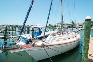 Used Island Packet Yachts IP 45 Cruiser Sailboat For Sale