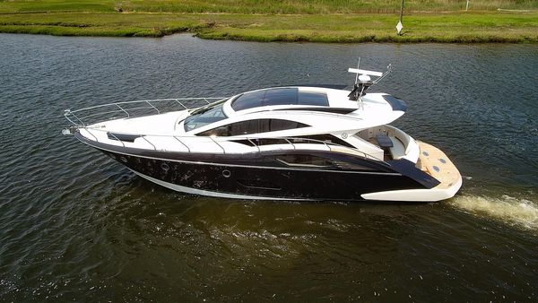 Used Marquis 500 Sport Coupe Express Cruiser Boat For Sale