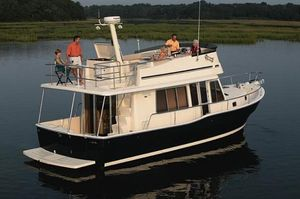 Used Mainship 40 Trawler Motor Yacht For Sale