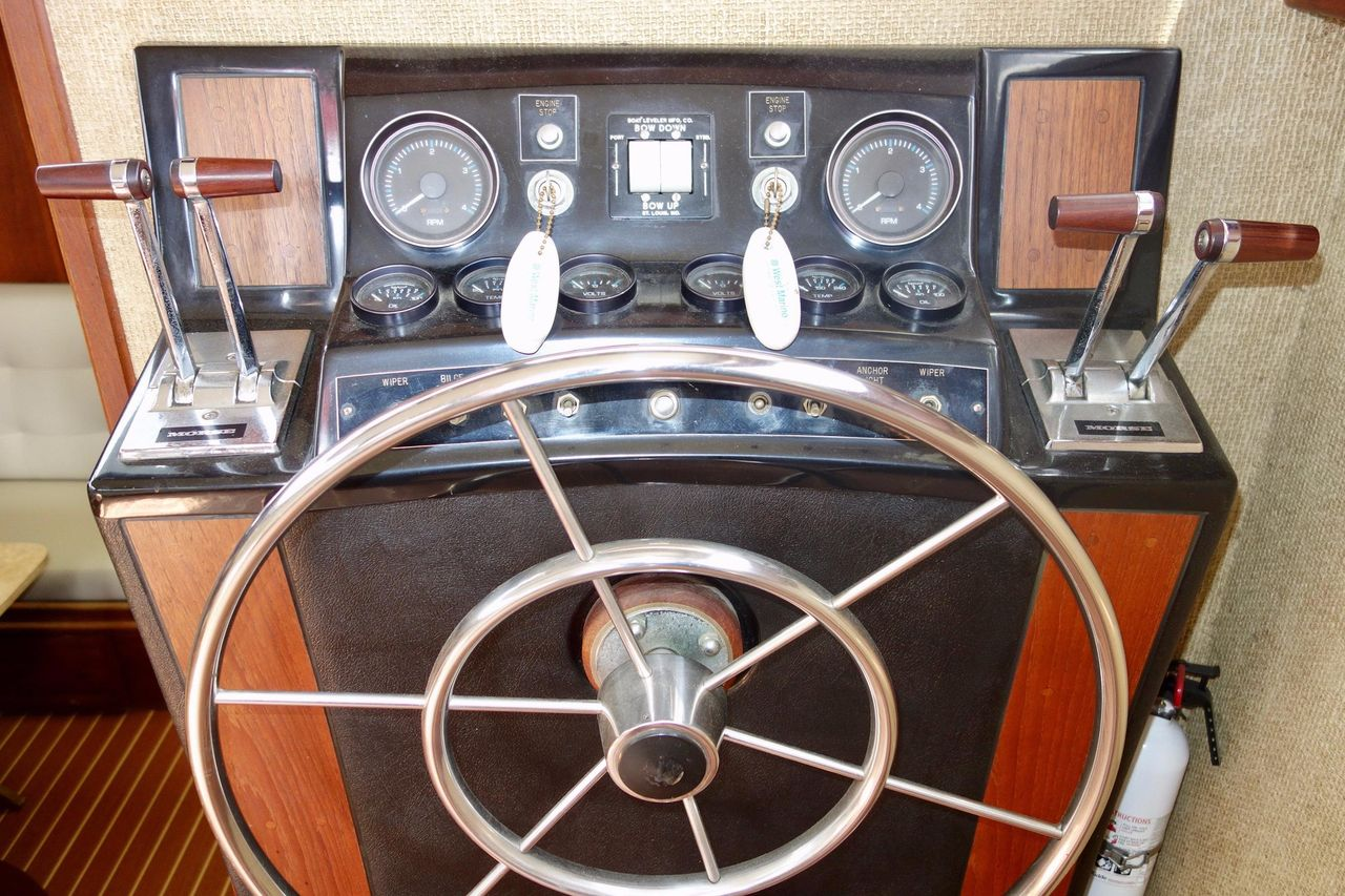 1978 Used Viking Double Cabin Motor Yacht For Sale - $59,900