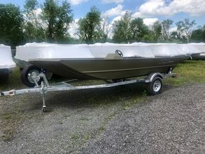 New Lowe Roughneck 1660 - SIDE CONSOLE Jon Boat For Sale