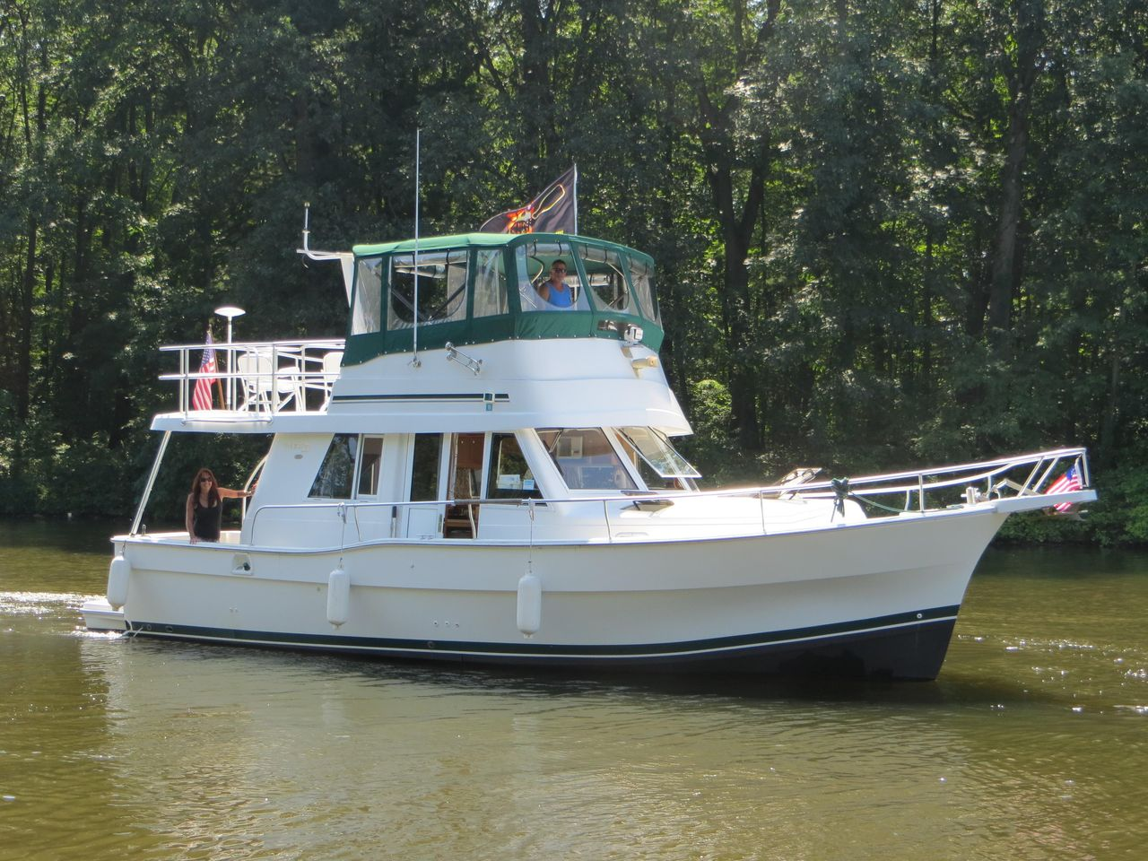 2000 Used Mainship 390 Trawler Cruiser Boat For Sale