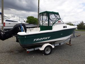 Used Trophy 1802wa Center Console Fishing Boat For Sale