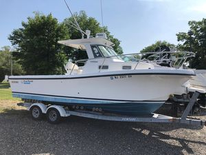 Used True World Marine Tf242 Sports Fishing Boat For Sale