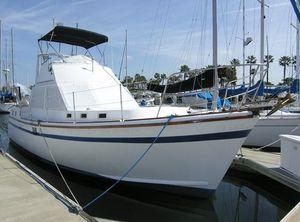 Used Marine Trader Aft Cabin Sundeck Motor Yacht For Sale