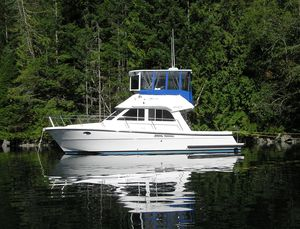 Used Lindell 39 Motor Yacht For Sale