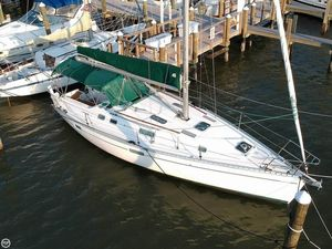 Used Beneteau 352 Oceanis Racer and Cruiser Sailboat For Sale