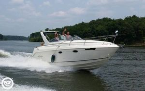 Used Rinker Fiesta- Vee 270 Express Cruiser Boat For Sale