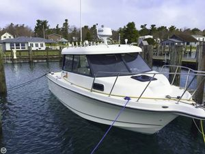 Used Trophy Pro 2359 Hardtop Alaskan Bulkhead Pilothouse Boat For Sale