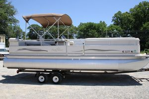Used Smoker Craft Sunchaser 824 Infinity Cruise Pontoon Boat For Sale