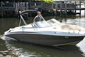 Used Stingray 215 LR Deck Boat For Sale
