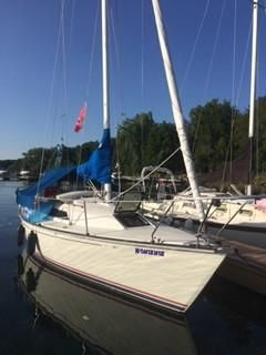 Used C&c 27 MK V Racer and Cruiser Sailboat For Sale