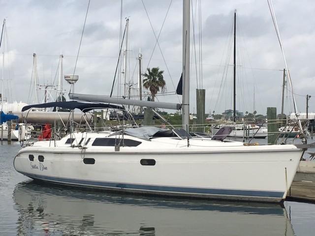 1996 Used Hunter 376 Sloop Sailboat For Sale 29 900 Galveston