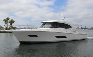 Used Riviera 525 SUV Express Cruiser Boat For Sale