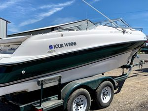 Used Four Winns 225 Sundowner Cuddy Cabin Boat For Sale