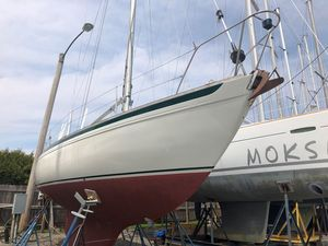 Used Camper & Nicholsons Nicholson 31 Cruiser Sailboat For Sale