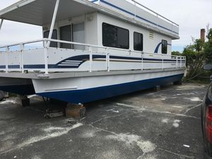 Used Destination Yachts Dockers House Boat For Sale