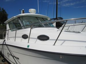 Used Seaswirl Striper Alaska 2901 Express Cruiser Boat For Sale