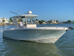 Used Robalo R302 CC Center Console Fishing Boat For Sale