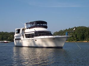 Used Hyatt Sundeck Motor Yacht For Sale