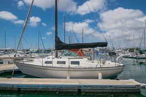 Used Columbia 28' Daysailer Sailboat For Sale