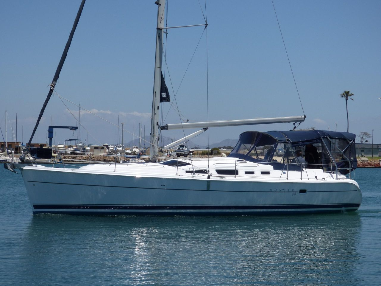 2005 Used Hunter 44 Cruiser Sailboat For Sale - $149,900 - CA, US