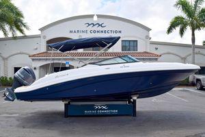 New Hurricane Sundeck 2690 OB Bowrider Boat For Sale
