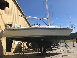 Used Ericson 34-2 Racer and Cruiser Sailboat For Sale