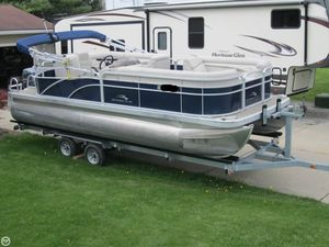 Used Bennington S21 Pontoon Boat For Sale